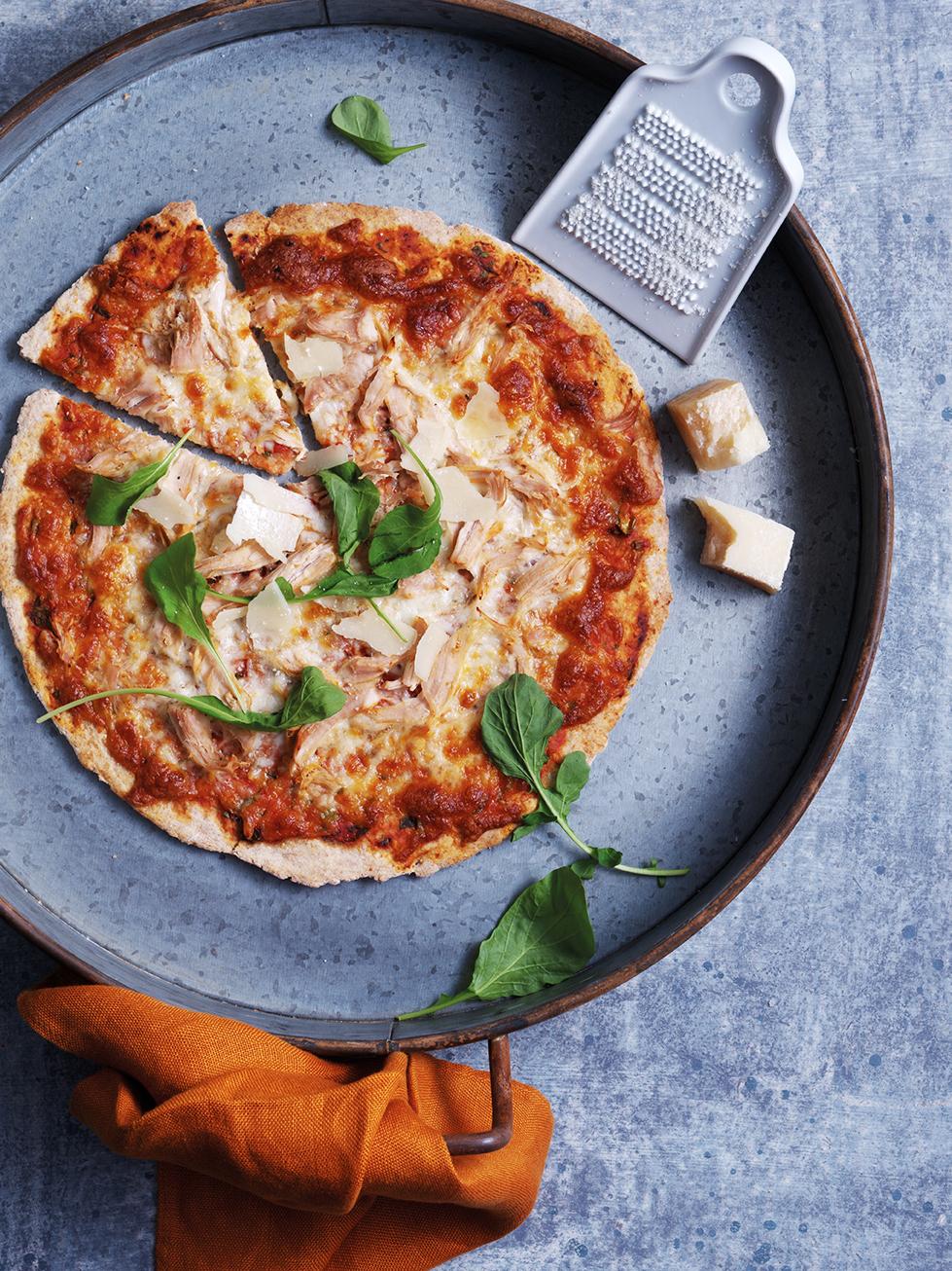 Piłkarskie emocje wzmagają apetyt – postaw na pizzę!